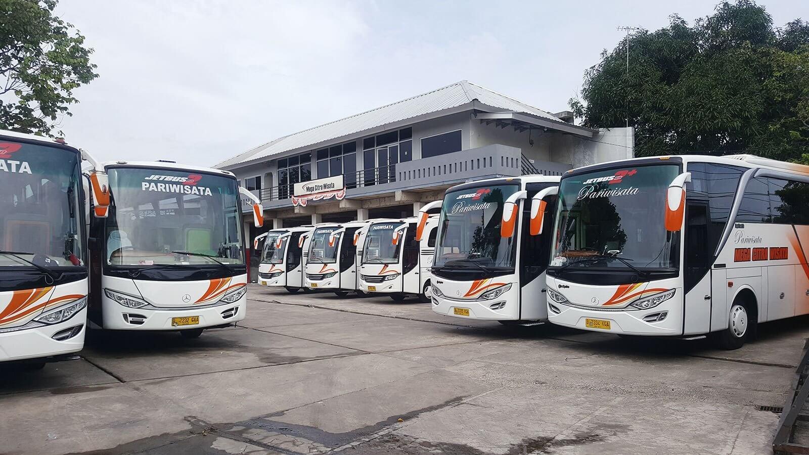 Jalan-Jalan Ke Banten, Harus Carter Bus Pariwisata Yang Eksklusif Dan Ramah Di Kantong